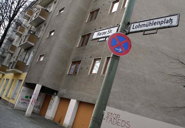 Früher Grenzgebiet heute mittendrin: Die Harzer Straße. Foto: imago images/PEMAX