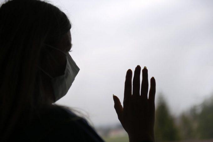 Die Corona-Krise ist für Frauen, die von häuslicher Gewalt betroffen sind, ein noch größeres Problem als für viele andere - Foto: Symbolbild, imago images / MiS